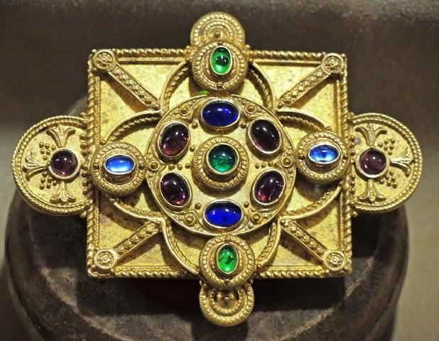 Riproduzione di gioielli museali e storici di ogni epoca